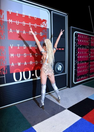 Miley Cyrus: 2015 MTV Video Music Awards in Los Angeles [adds]-01